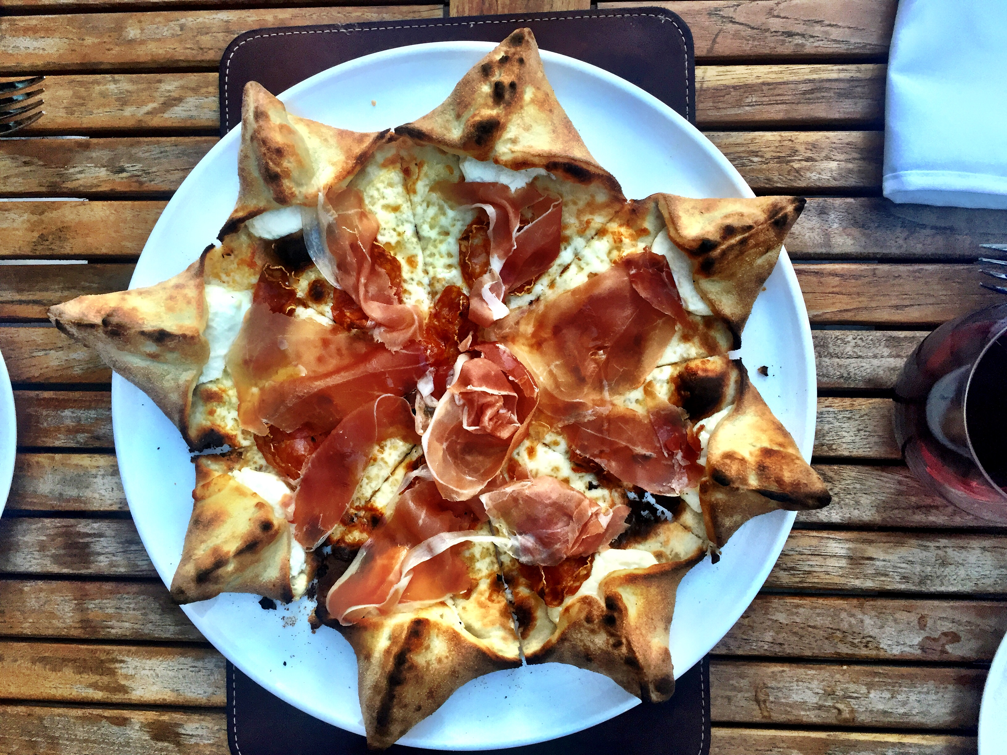 5 Insta-Worthy Pizzas in Chicago